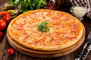 Пицца Томато Бекон